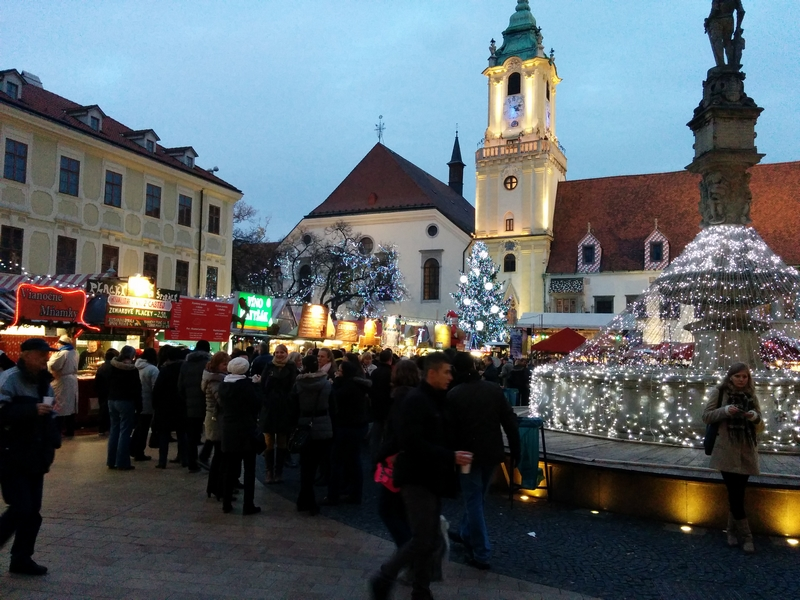 Julemarked på torget i Bratislava