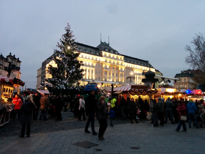Julemarked i sentrum av Bratislava