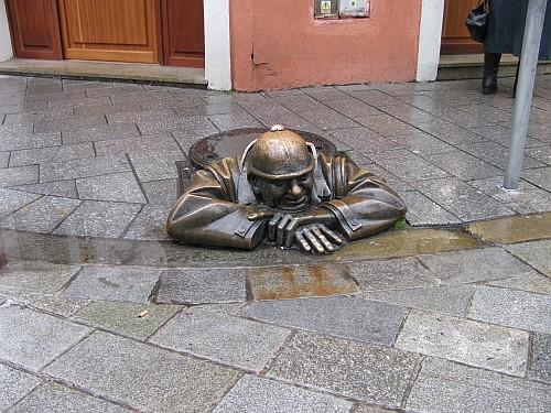 Statue - Cumil